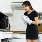 Как быстро отмыть микроволновку от жира внутри в домашних условиях