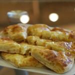 Как приготовить хачапури с сыром в домашних условиях: 4 лучших рецепта